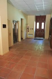 la-genette-entree-avec-ascenseur-de-la-residence