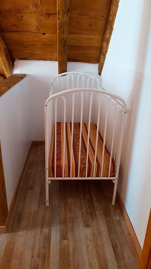 la-grange-du-moulin-le-lit-bebe